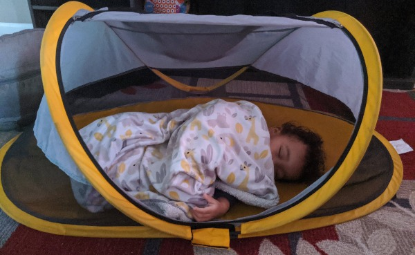 baby sleep in peapod travel bed review
