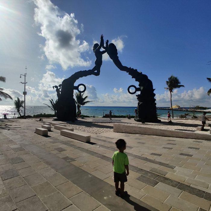 playa del carmen 5th ave with kids